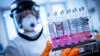 Cómo desarrollar una vacuna contra la COVID‑19 para todos   Mazzucato y Torreele