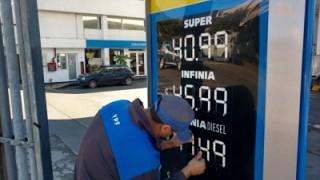 Por decreto, el Gobierno oficializó el congelamiento a los combustibles