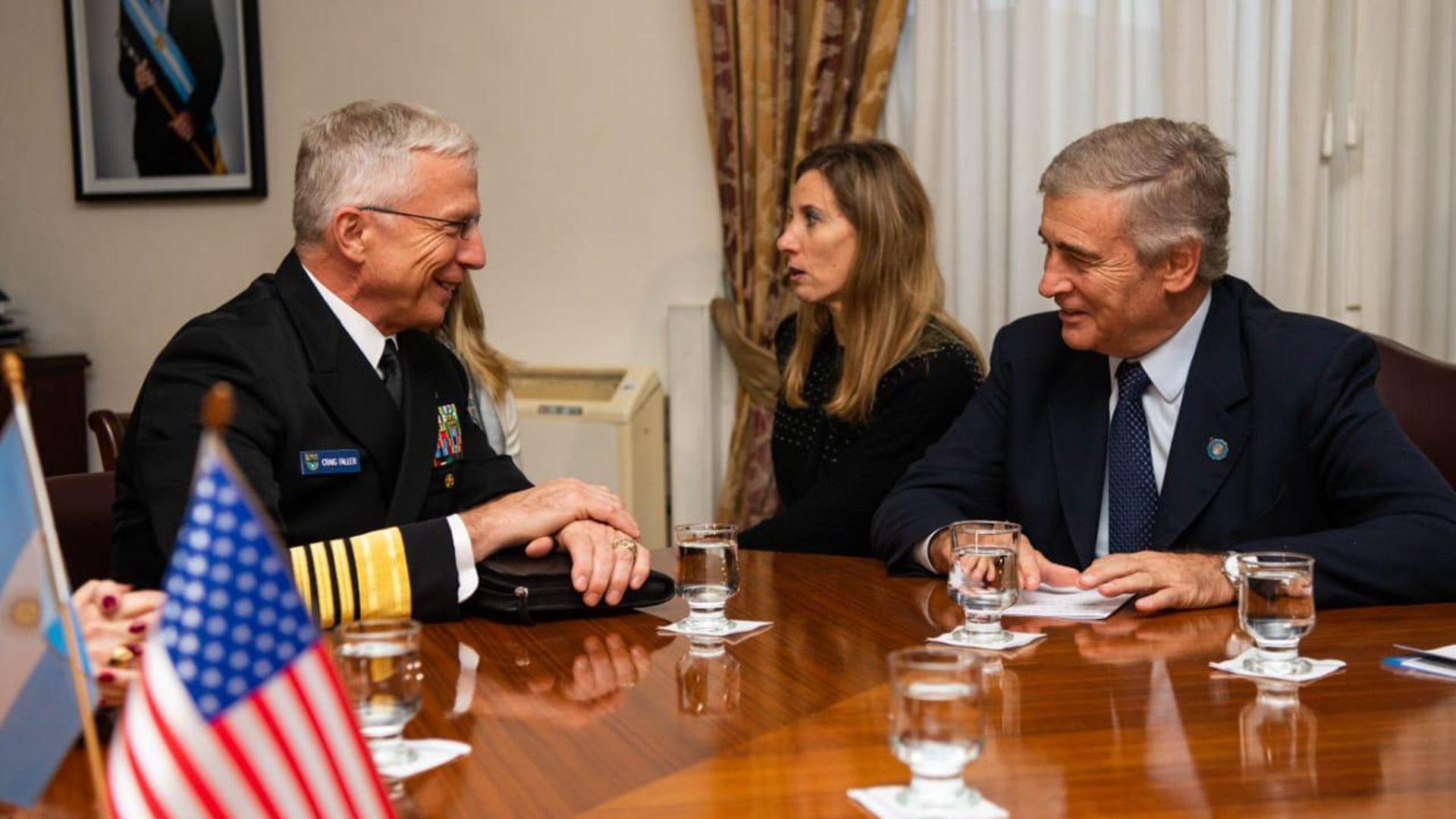 El Jefe del Comando Sur de Estados Unidos, el almirante Craig Faller, reunido con el ministro de defensa argentino Oscar Aguad - Junio 2019