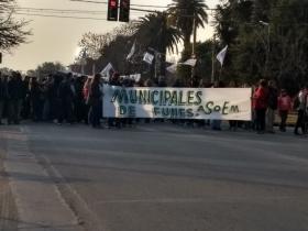 Trabajadores municipales nucleados en ASOEM cortaron la ruta 9 el pasado viernes