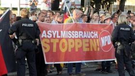 Alemania Advierte que No Puede Sostener el Flujo Actual de Refugiados