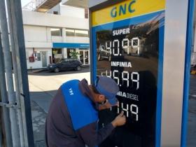 Después de varias ideas y vueltas, el Gobierno resolvió por decreto la política referida a los combustibles.